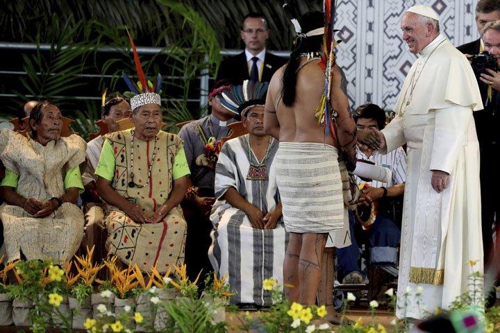 @BroadcastImagem: Papa Francisco em encontro com indígenas em Puerto Maldonado, no Peru. Alessandra Tarantino/AP