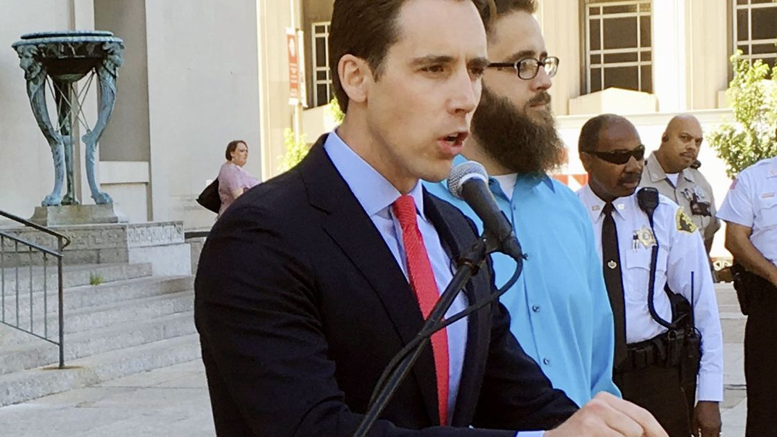 Hawley makes Sunshine splash while defending state secrecy in another case