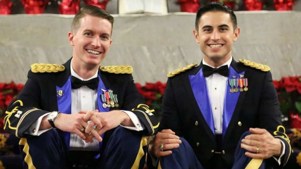 First active-duty, same-sex couple marries at West Point https://t.co/3b0ePZg8h6 https://t.co/NvTTCDdXcO