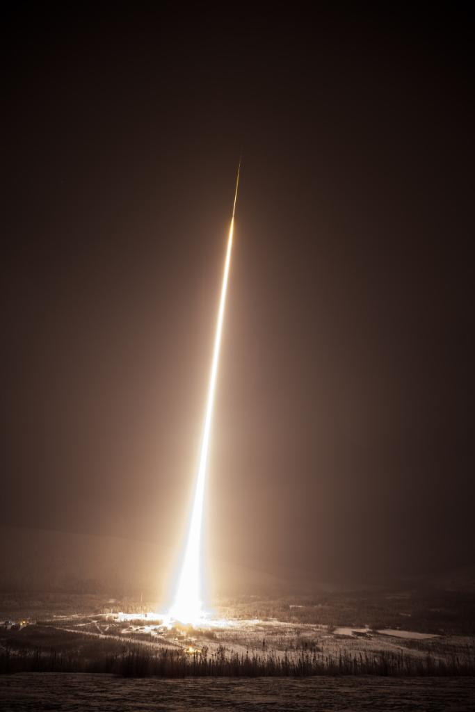 Where do those X-rays come from? This morning at 7:17am ET, a rocket was launched into the Alaskan sky to measure sources of X-rays that hurtle towards Earth from elsewhere in our galaxy. Discover more about the mission: https://t.co/NsER37MtqZ https://t.co/Jqg3rrW8ZS