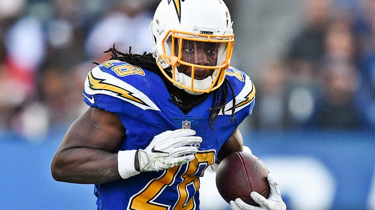 .@ChargersHElwood and @chrishayre break down the play of the Bolts' backfield. https://t.co/tfUqb8ZkYN