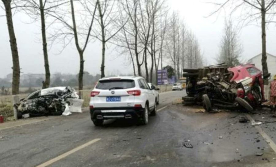 Chinese man steals car at knifepoint, dies in crash 10 minutes later
