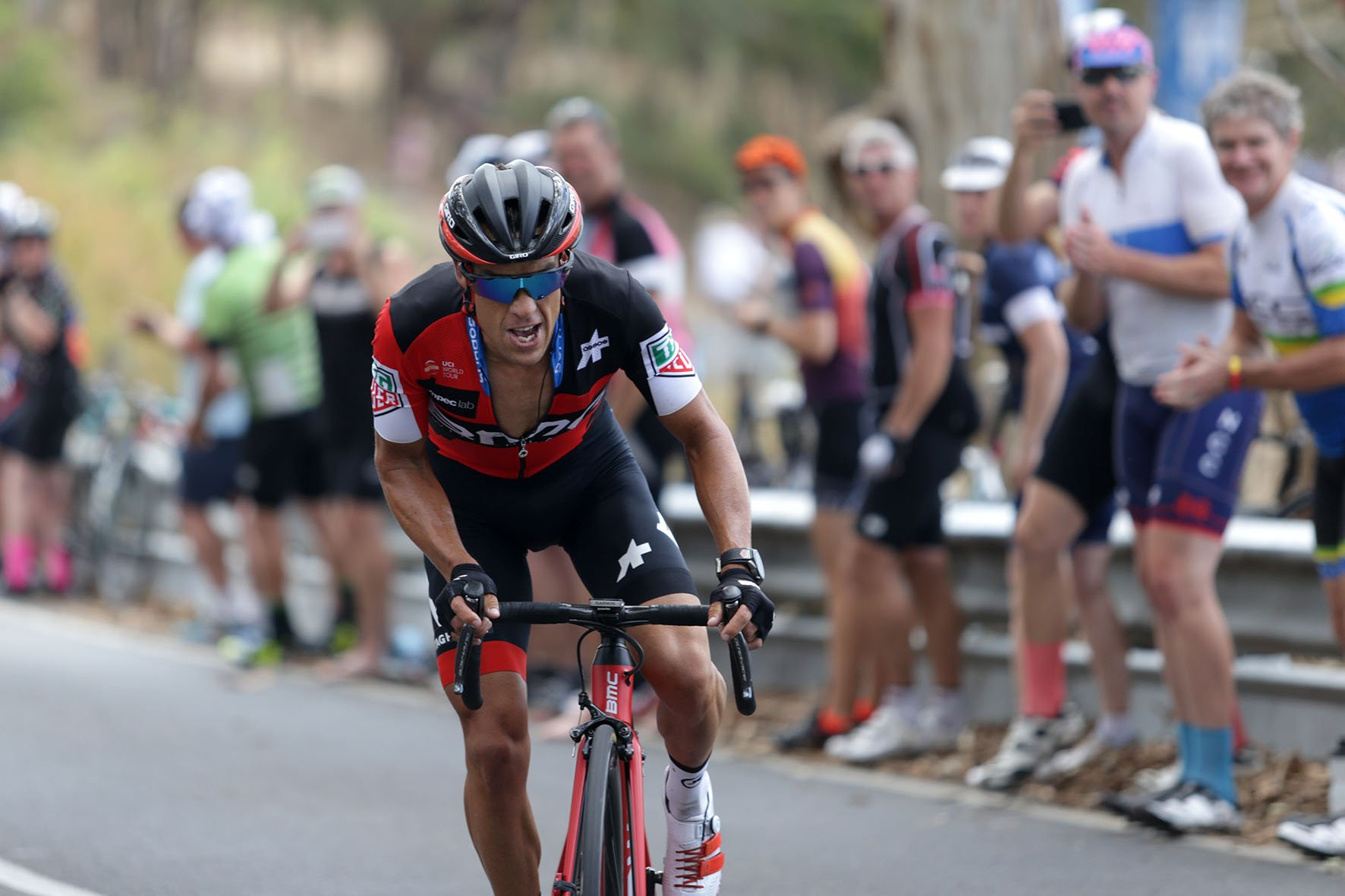 He confirms his status of King of Willunga Hill. @richie_porte climbed his way to a fifth consecutive victory atop Willunga Hull at the @tourdownunder today and now sits second overall. #TDU #AussieCycling @Ausport @AUSOlympicTeam @CommGamesAUS @GC2018 Photos: John Veage https://t.co/Gy6rKlnn1u