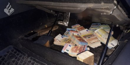 Italiaan met € 80.000 van A13 gehaald https://t.co/RZFZOEilFd https://t.co/sXdUiKWq3t