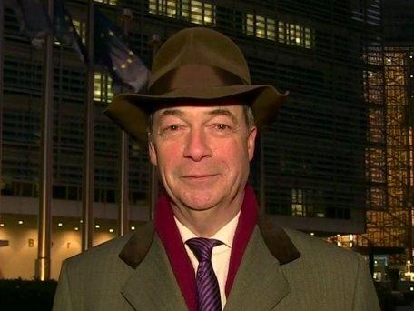 RT @GMB: 🎩'Retweet' for @Nigel_Farage or 'Like' for Pharrell Williams 😂 https://t.co/Sk9lOuonAM
