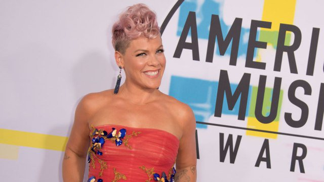JUST IN: @NFL announces that @Pink will sing the National Anthem at #SuperBowl LII in Minneapolis! https://t.co/lPN4TBWQdk