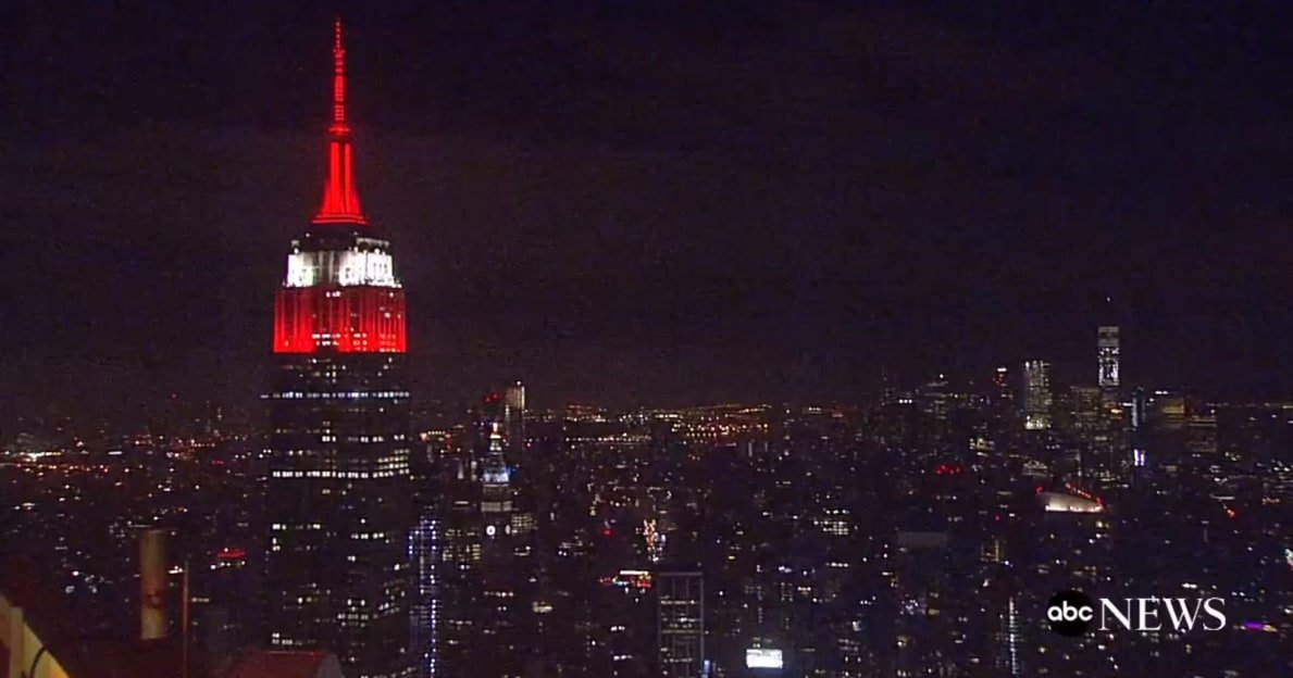 LOOK: Empire State Building lit up in crimson and white after Alabama's victory https://t.co/q44zbchaGk  #RollTide https://t.co/NFfhymTF9V