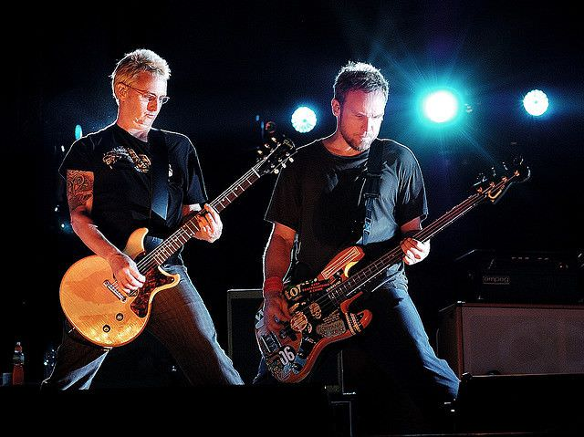 Power stance. @MikeMcCreadyPJ #JeffAment #PearlJam https://t.co/phZCWnh0G1
