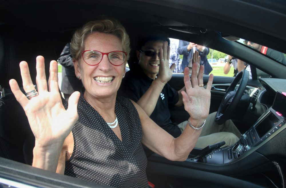 Liberals eye testing driverless cars in Ontario