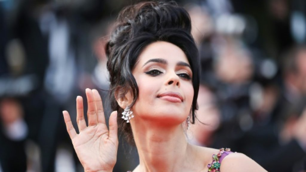 Bollywood star evicted from Paris flat over unpaid rent