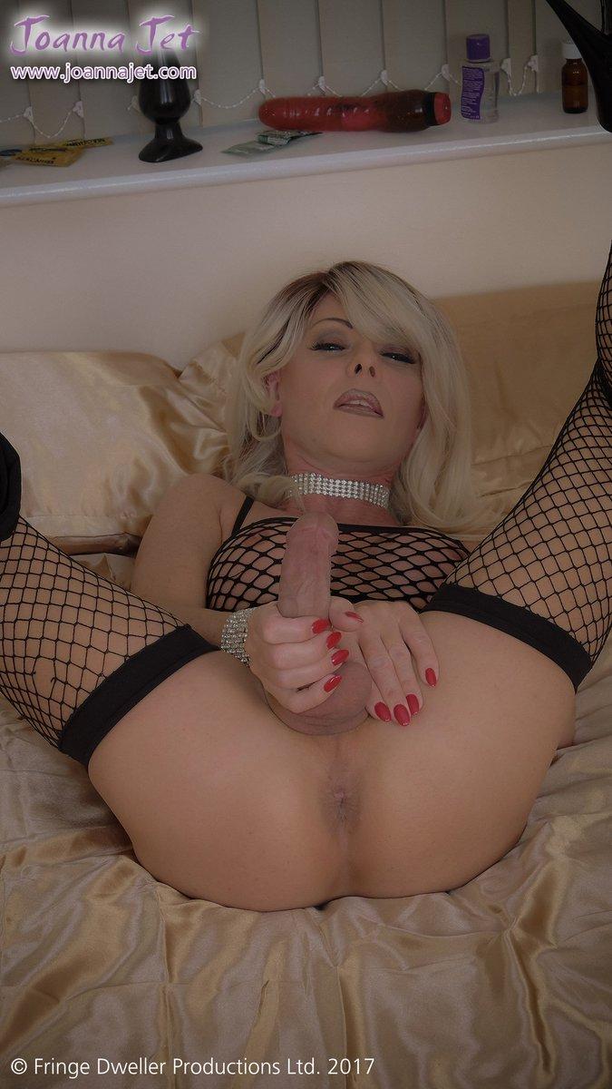 4 pic. #picoftheday x4 from B0lowVmaVt - Premium VIP #NSFW #transsexual #MILF #hooker #fishnet