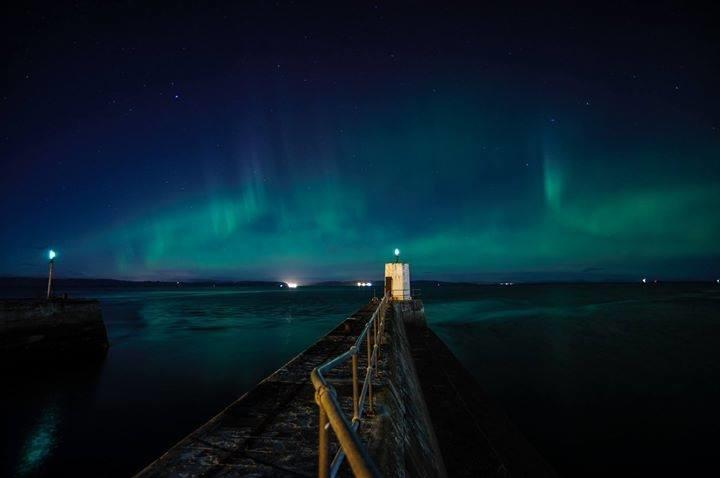 Is 2018 the year to tick seeing the #NorthernLights off your bucket list? �� FB/Joss Ward #Nairn #Aurora https://t.co/LblmXk3YNR
