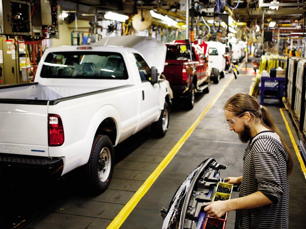 Trump's desired NAFTA changes are 'lose-lose-lose' for carmakers: Magna CEO