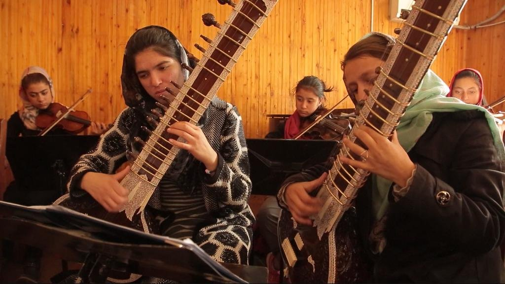 FOCUS - Video: Afghanistan's first all-female orchestra braves Taliban threat