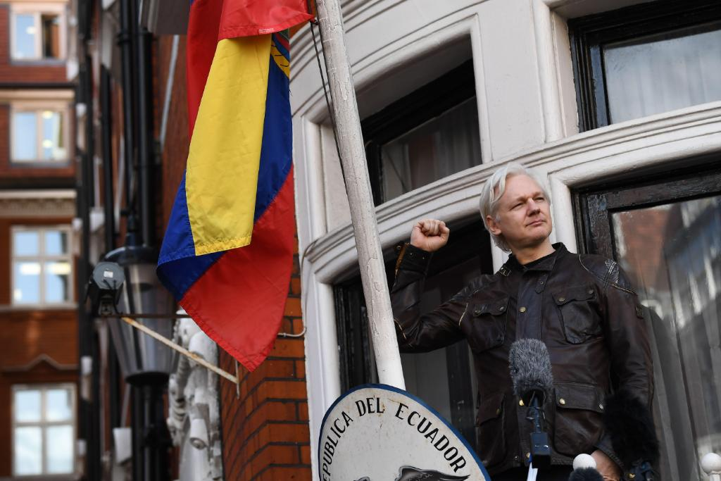 Assange situation 'not sustainable', says Ecuador government https://t.co/Ip6TKRAKUx https://t.co/QcJ40sVFLs