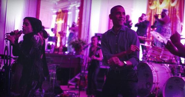 "About that time Barack Obama showed off his ""dad moves"" while dancing with Prince:"