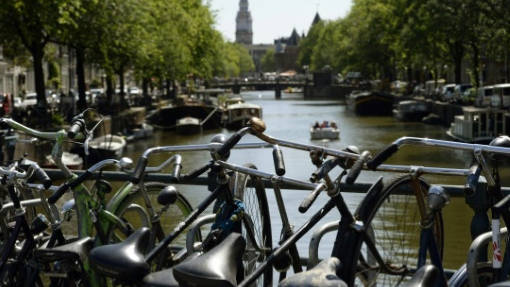 Amsterdam to curb Airbnb rentals to 30 days a year