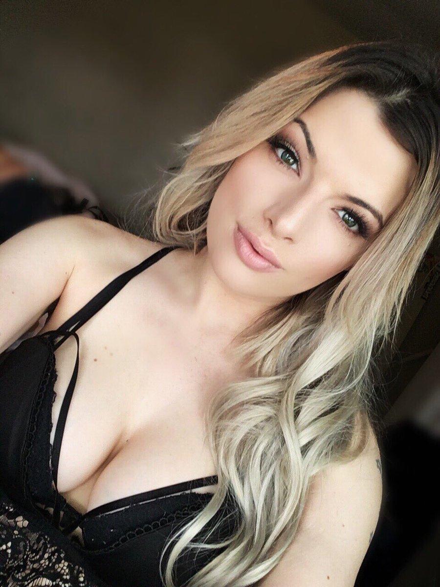 I always miss being blonde when I'm dark and miss being dark when I'm blonde 😖 8ypB1w5U
