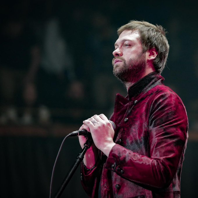 I wish a very happy birthday to Tom Meighan from !! I hope to see you live again. You rock, man!!