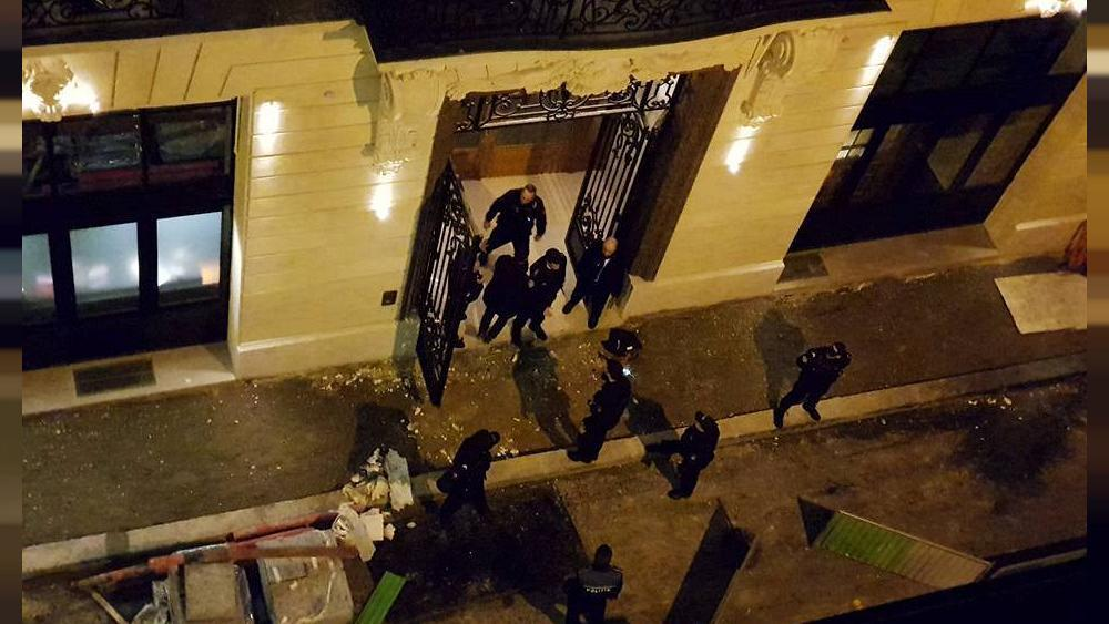 Thieves break in to a jewellery shop at Paris' luxury Ritz hotel