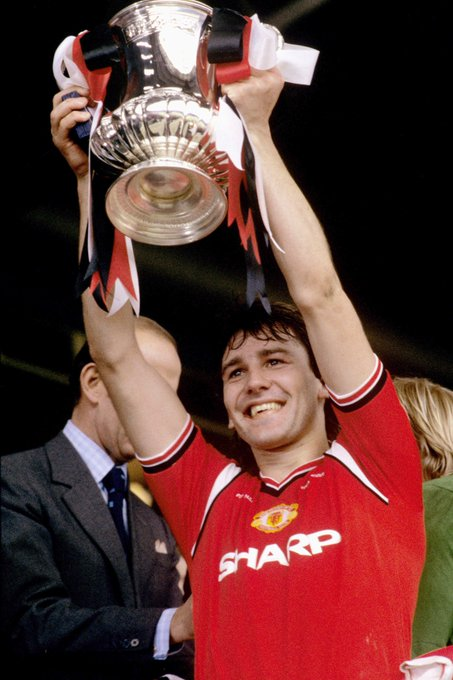Happy 61st Birthday to Man Utd an England legend Bryan Robson...