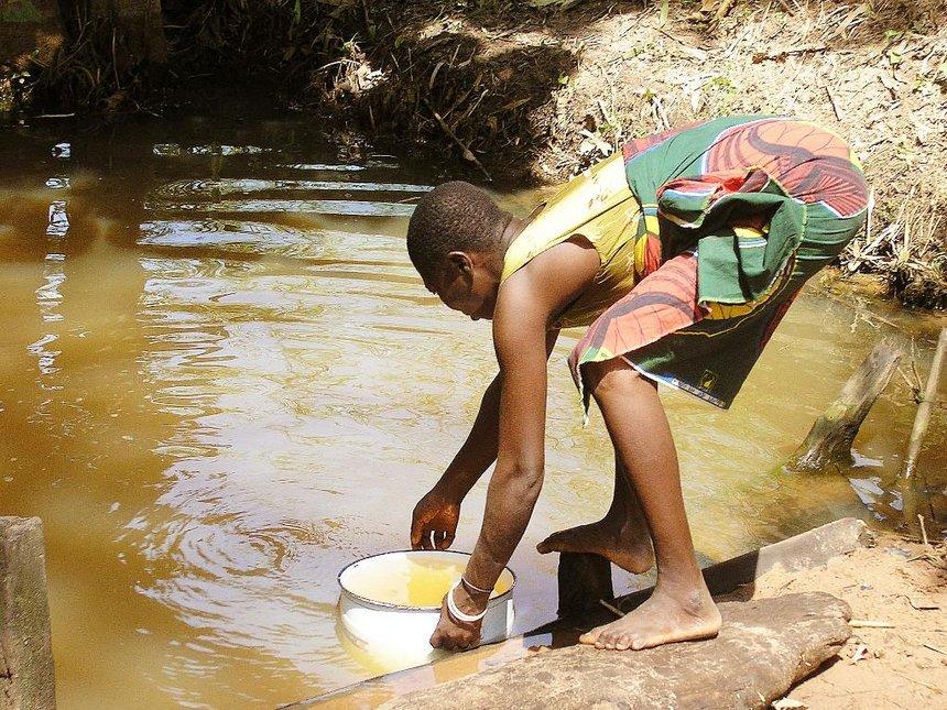 Namibia bans food imports from cholera-hit Zambia