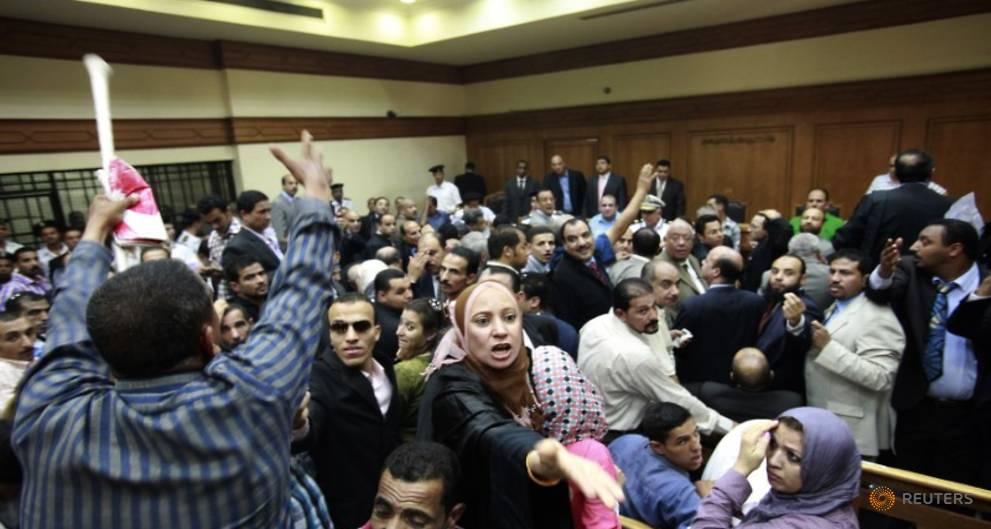 Egypt court overturns sentence against Mubarak-era interior minister