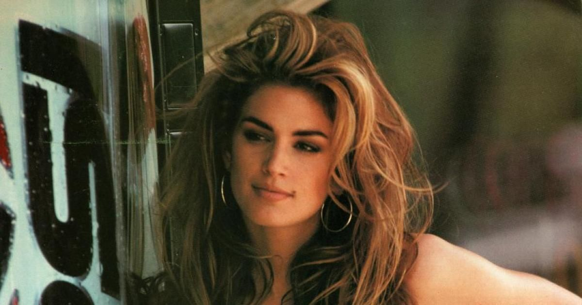 SEE IT: Cindy Crawford recreated her iconic 1992 Super Bowl ad ������ https://t.co/Y2NYvTROsd https://t.co/rm7HIdANBW