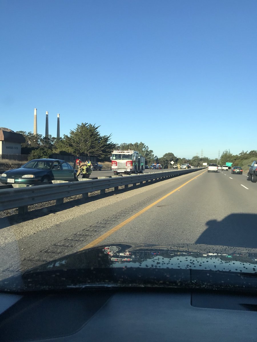 Highway 1 south in Morro Bay is closed. Expect major delays. #beonksby https://t.co/Q3C7QHir41