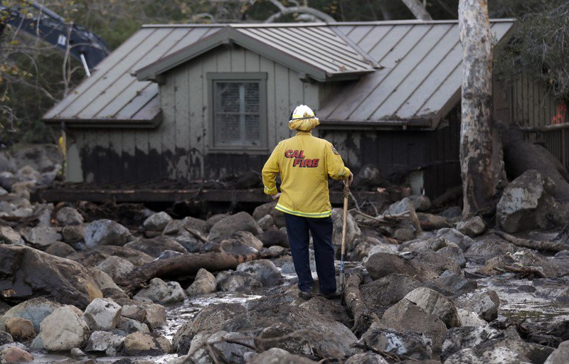 The Latest: Real estate agent among 17 dead after mudslides