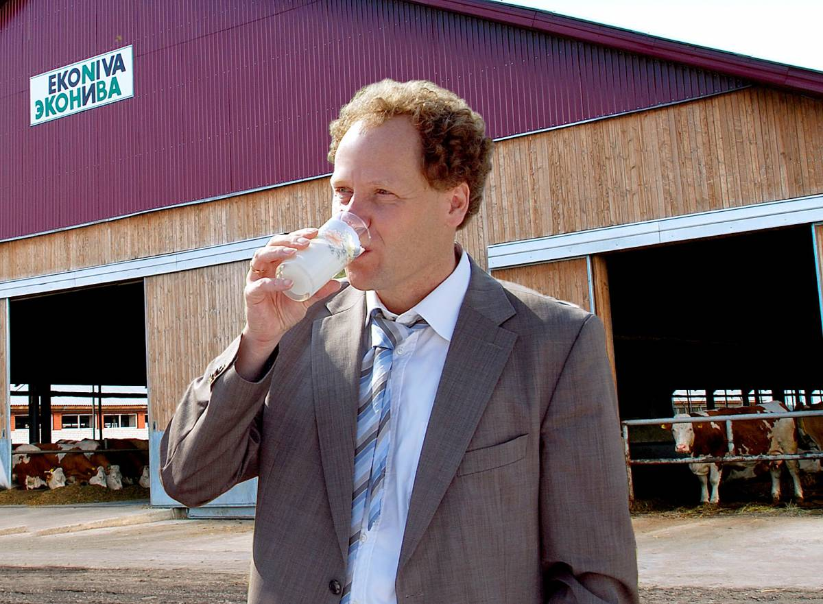The German Farmer Who Built a 60,000 Head Dairy Juggernaut in Russia (Video)