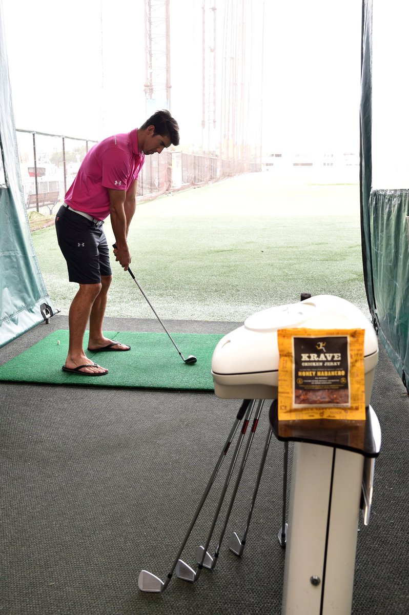 #tbt to a fun day of golf with @KRAVEjerky, snacking on their Honey Habanero Chicken #KRAVEbetter in 2018! https://t.co/ONeTrk4g1Z