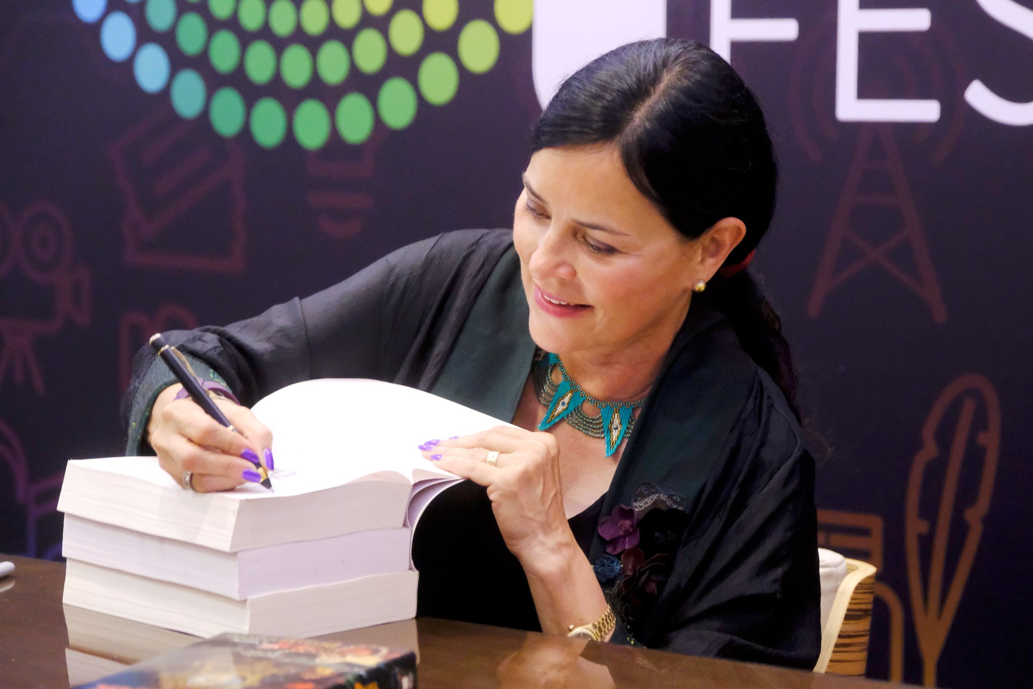 Happy 66th birthday, Diana Gabaldon!  via