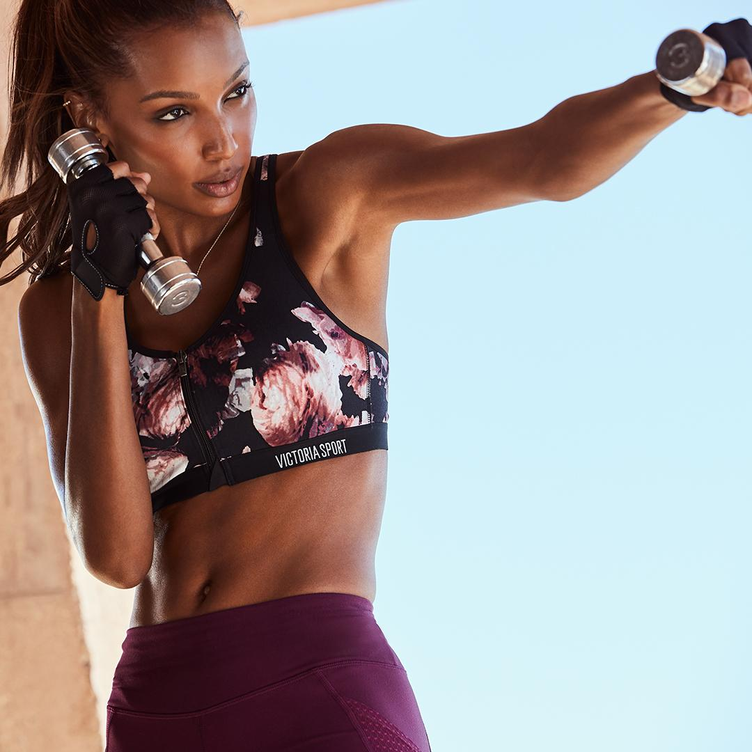 Start warming up with a sneak peek at SPRING from @VictoriaSport. ???? https://t.co/LVgKktaL2t https://t.co/lIapnNEGaz
