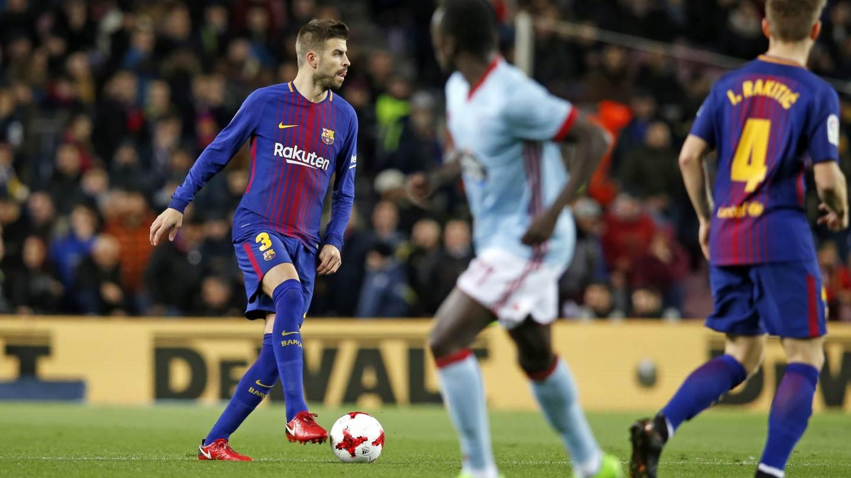 �� Minut 46: Al descans, Vermaelen ha entrat al terreny de joc en substitució de Piqué (4-0) #CopaBarça https://t.co/1cuIcGCdBj