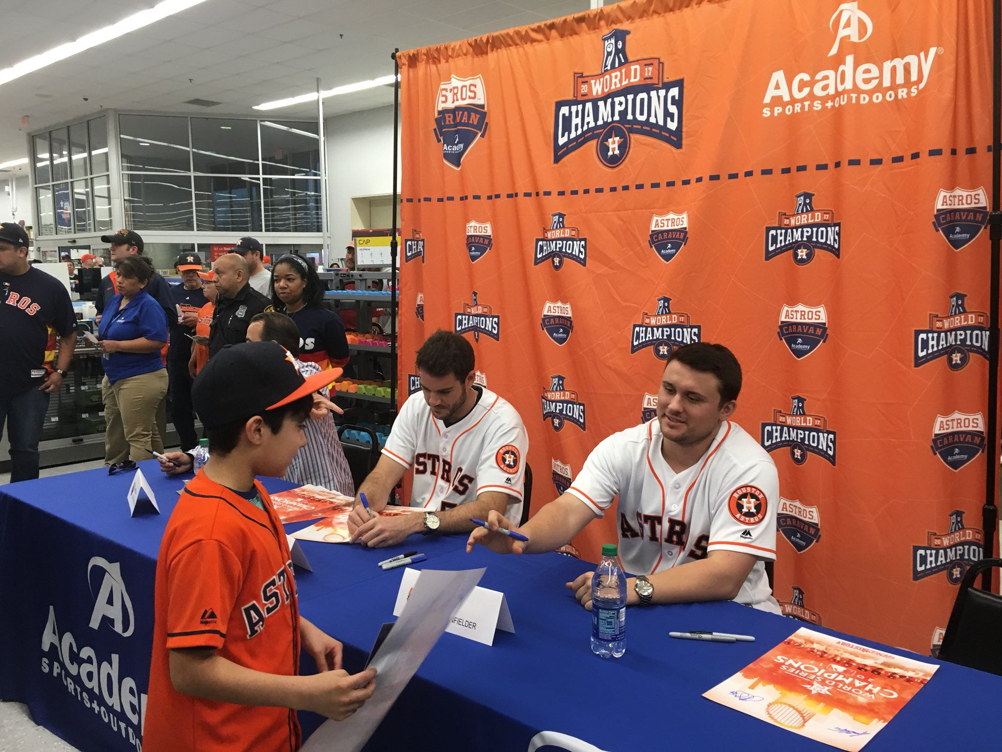 This squad stopped by @Academy for an autograph and trophy appearance! ��   #AstrosCaravan�� https://t.co/RyK5sduXq3