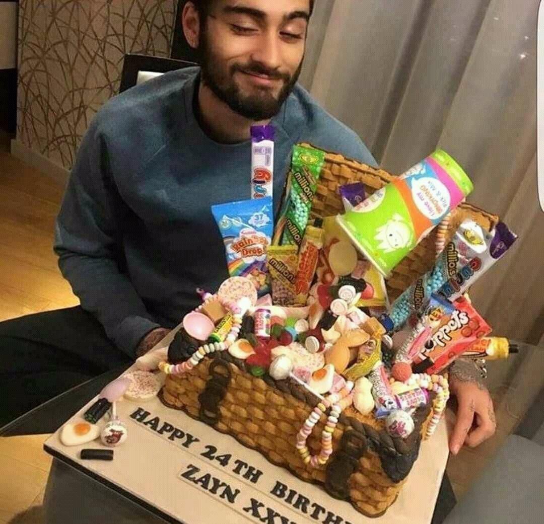 Happy BirthDay Zayn Malik    24 Years Old    12-01-1993    12-01-2018