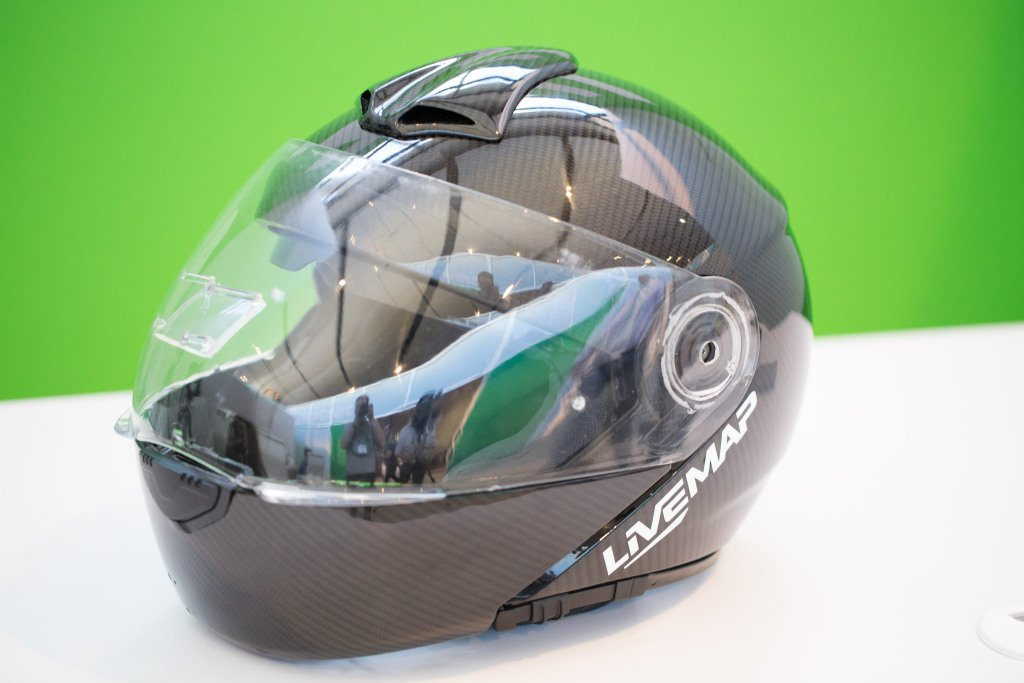 LiveMap shows off latest prototype of augmented reality motorcycle helmet https://t.co/XskcDhMtMB https://t.co/oFmUdBr0No