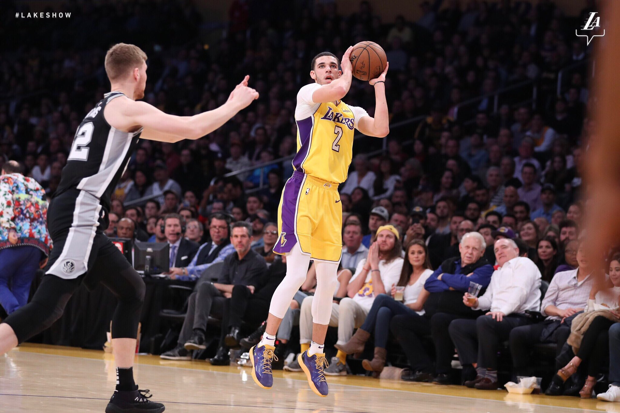 #3Ball  @ZO2_ #NBAVote  Retweets = Votes �� https://t.co/Pwi2FRkVHe