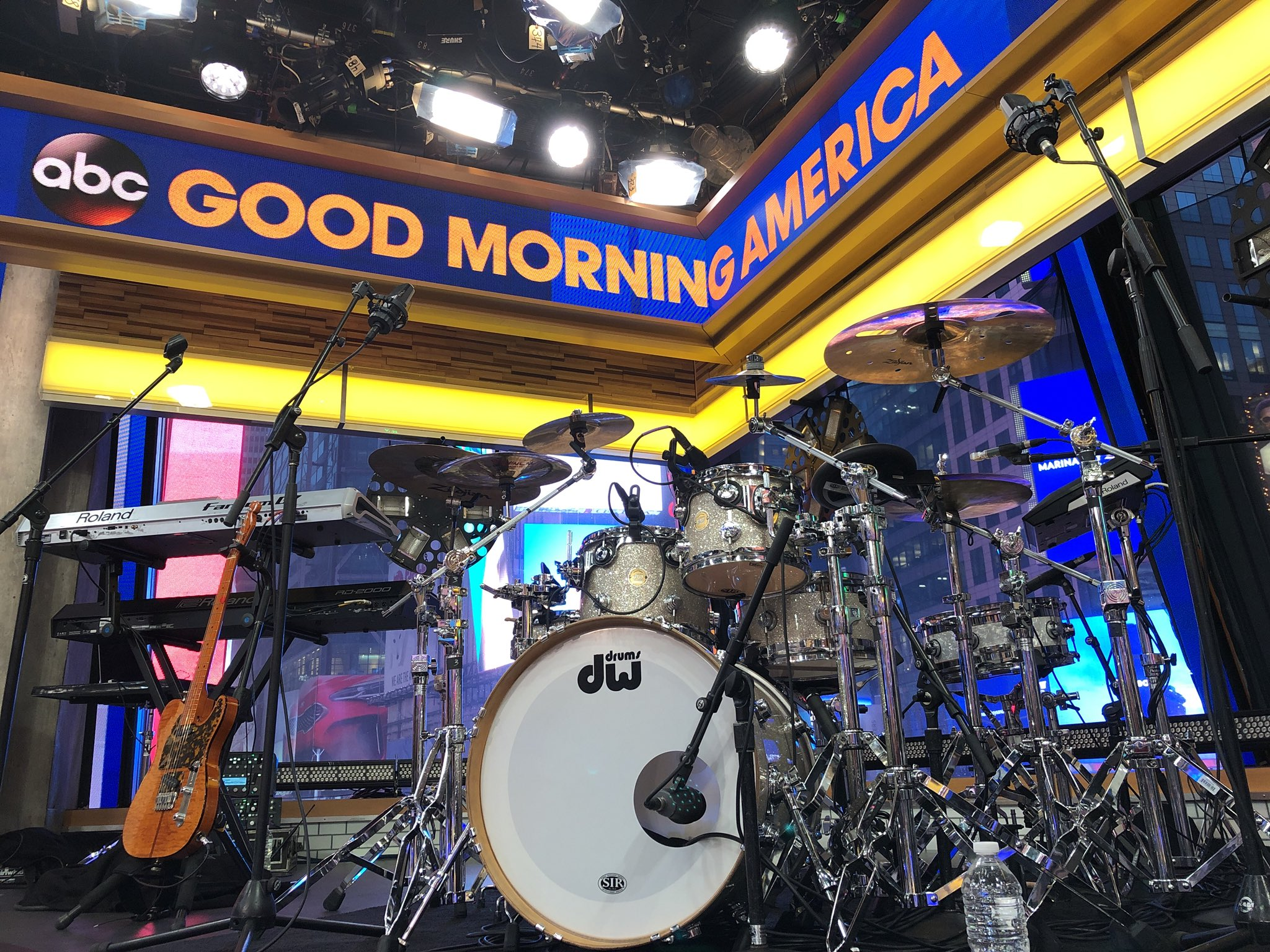 Camila caBEYo is here performing LIVE on @GMA this morning!   #ThisIsCamila #CAMILAxGMA @Camila_Cabello https://t.co/VqLWkCZpIw