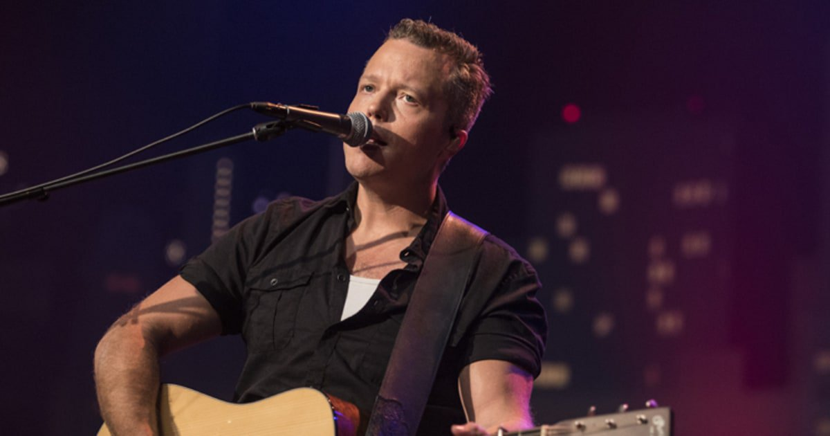 See Jason Isbell and Amanda Shires perform John Prine's 'Clocks and Spoons' on #ACLTV https://t.co/rEmBJnXZAw https://t.co/Yp1tBYpyGl