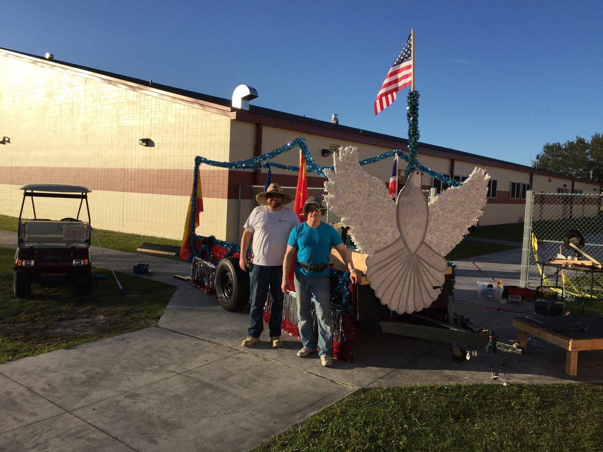 test Twitter Media - SOMS staff working on our Martin Luther King Float! https://t.co/ViDcKprpJH