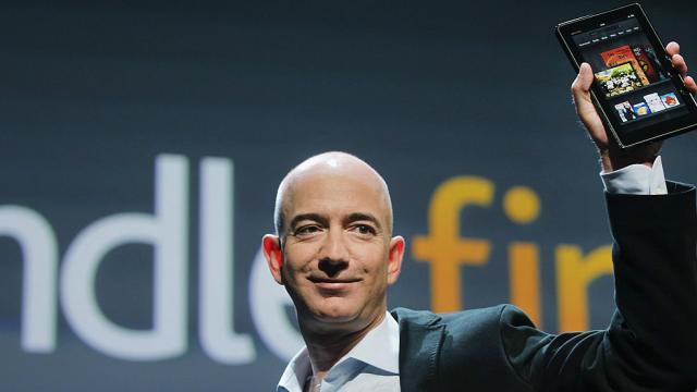 Jeff Bezos donates $33 million to scholarship program for Dreamers https://t.co/lXUTakUjoN https://t.co/9XQHqyLImg