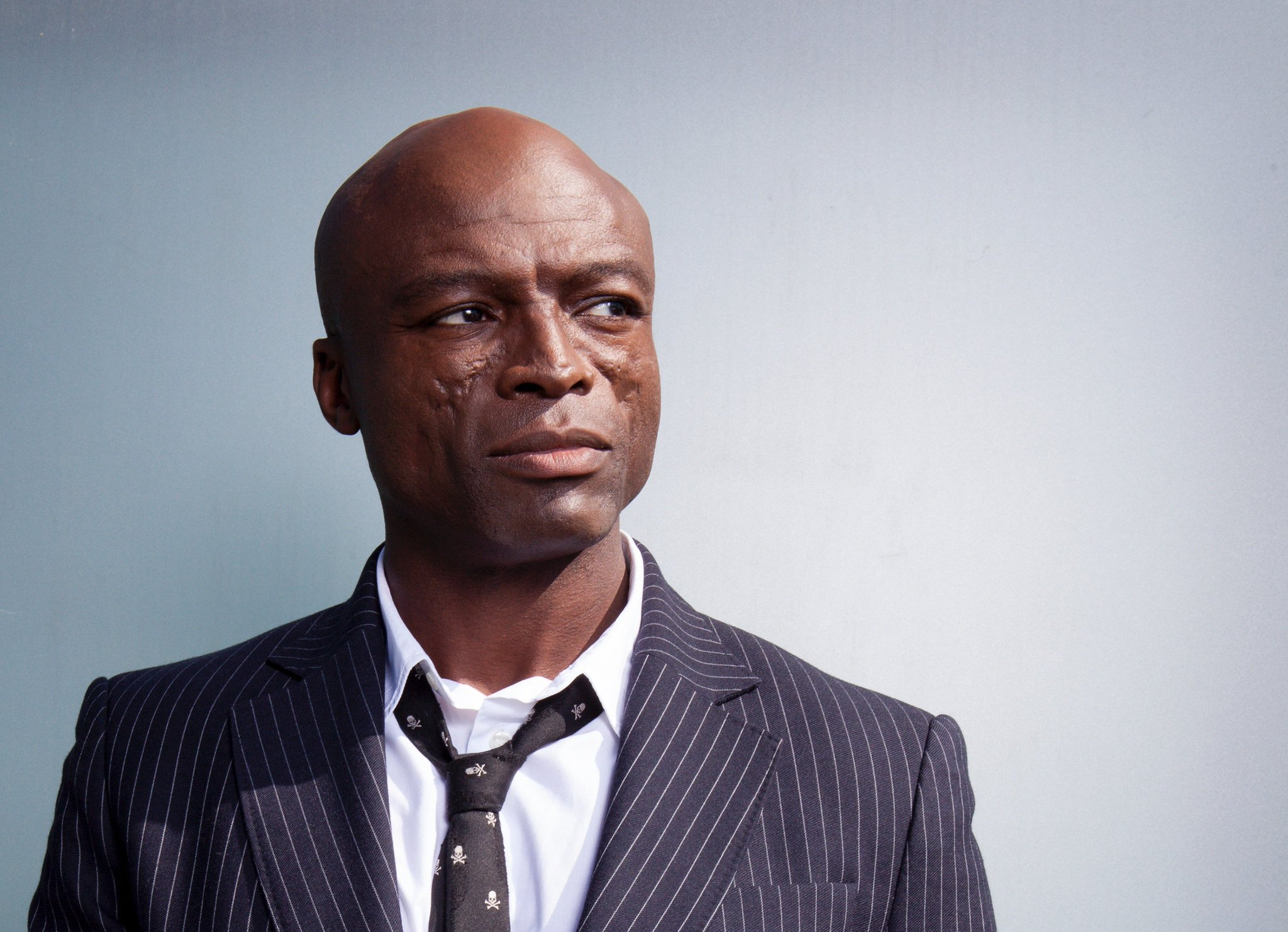 .@Seal apologizes for criticizing Oprah, tells Stacey Dash 'you live in the Sunken Place' https://t.co/1z0hYvW14F https://t.co/c3UkqcPc2c