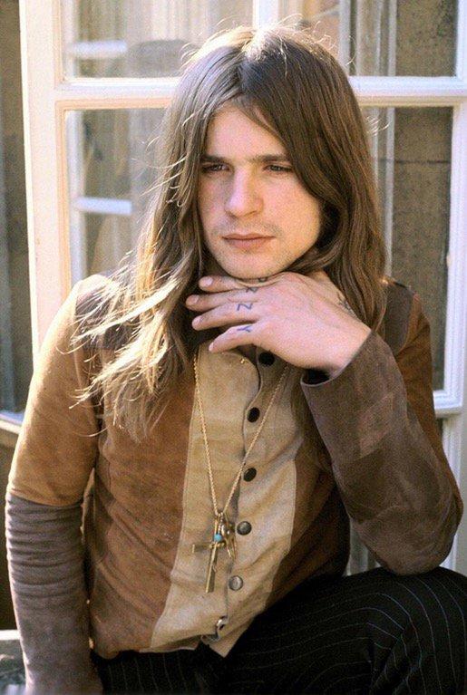26-year-old Ozzy Osbourne, 1974 https://t.co/3Jv82TAJCl