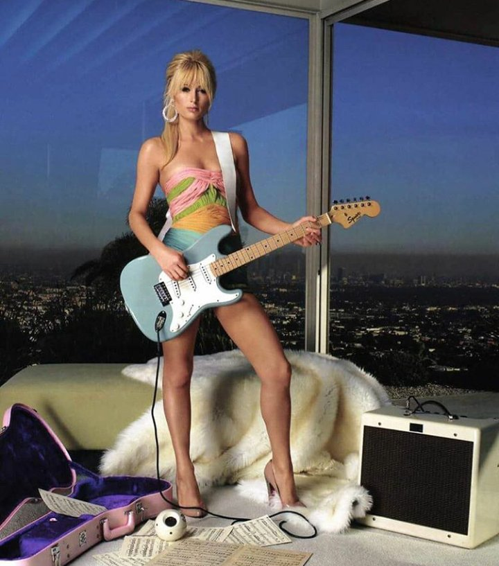 RT @HiltonEmpresses: One of the most iconic singers and songwriters of the millennium ???????????? @ParisHilton https://t.co/vVnENCjUIO