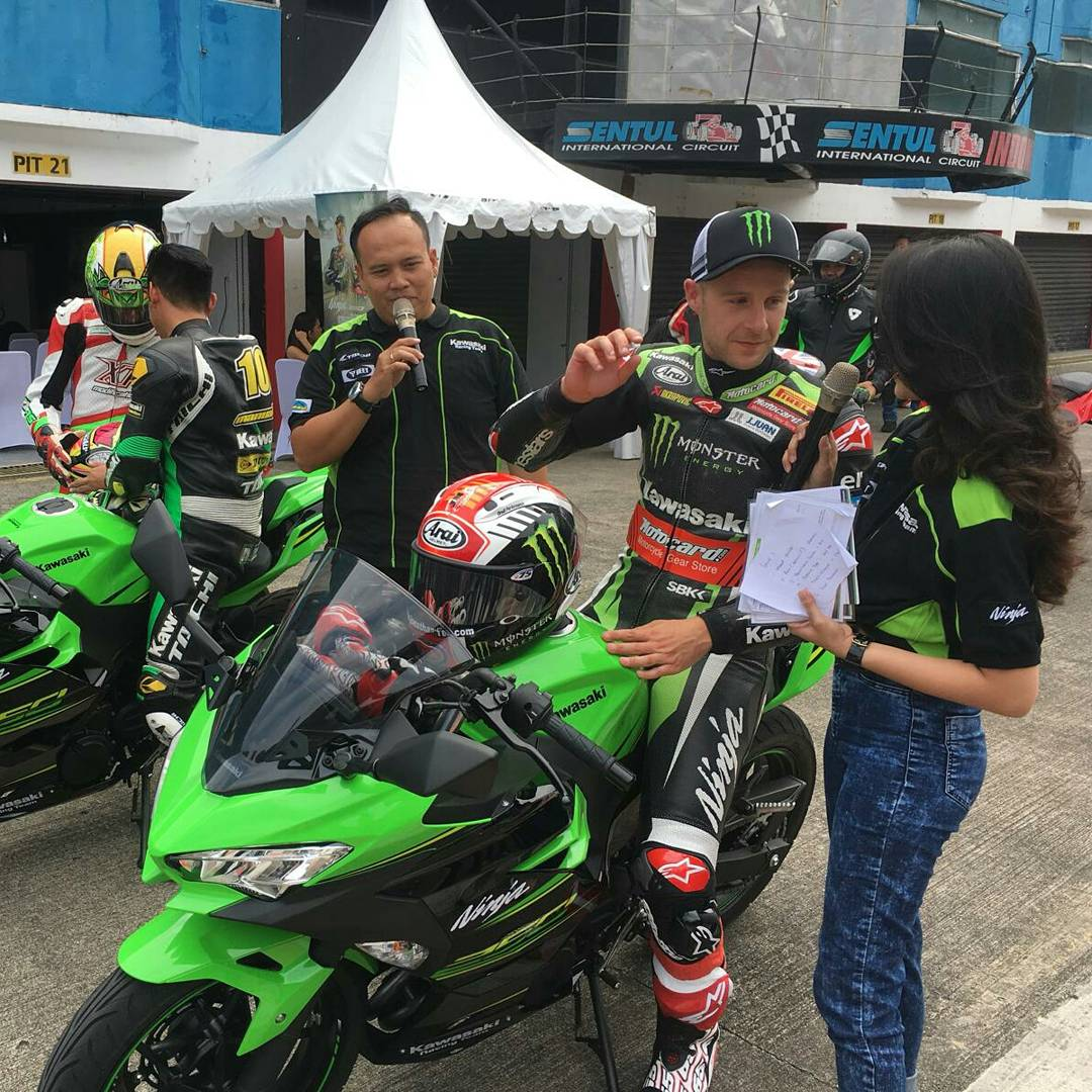 test Twitter Media - 🎙 Media day at Sentul Circuit for three-time #WorldSBK Champion @jonathanrea  📸 Say cheese! 😉 https://t.co/kcdAWWyWwx