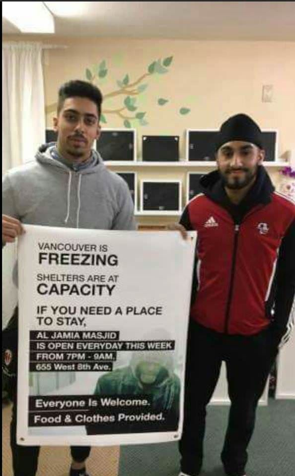Mosque in Vancouver helping the less fortunate: https://t.co/0FM5CKahaA