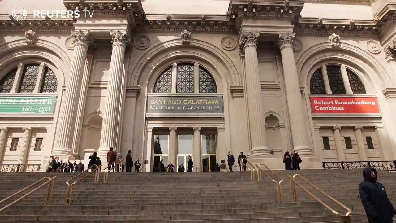 WATCH: @MetMuseum set to charge fixed admission fee for non-New Yorkers https://t.co/AijWq0pl3r via @ReutersTV https://t.co/leuMhEZKT1