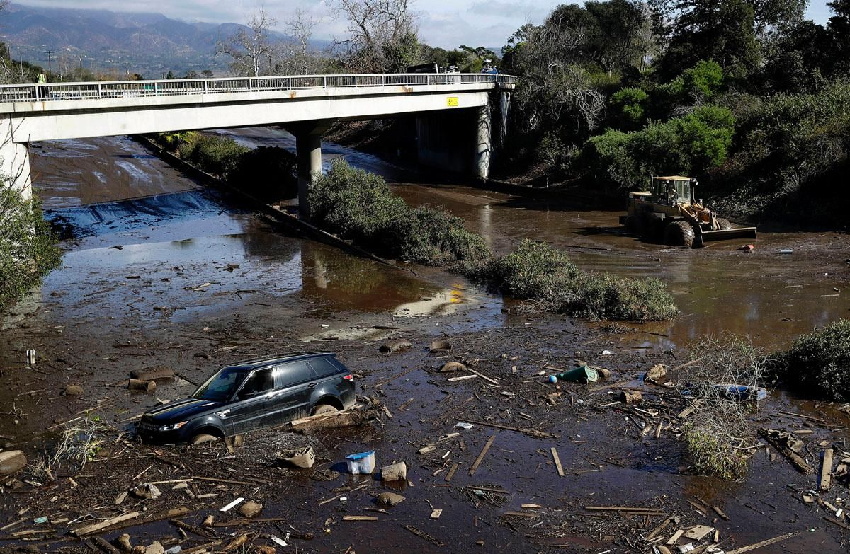 Orthopedic surgeon, his daughter identified as two of 17 mudslide victims in California https://t.co/YLzBn7oR4L https://t.co/ZmQ4yg6wOw